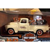 Harley-Davidson model auto a Harley motorka 1950 Chevrolet 3100 Pickup + 2001 Softail Heritage Springer