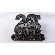 Odznáček Harley-Davidson 20.výročí York Open House 2004